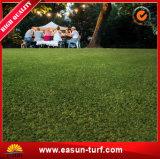 Césped artificial de la hierba sintetizada barata para el jardín al aire libre