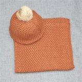 Шарф и шлем петли зимы девушок толщиной связанные с шариком шерсти кролика