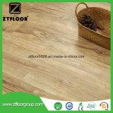 Résistance à l'usure de la texture du bois à haute densité WPC Revêtement intérieur