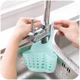 Küche-Organisator-Schwamm-Halter, der Plastikschwamm-Halter hängt