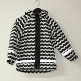 Wellen-schwarze/weiße reflektierende PU-Regen-Umhüllung/Regenmantel
