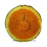 詰められた柔らかい木製の円形のクッション