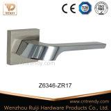 Ligne droillée nickel chromée Poignée de levier de porte en alliage de zinc (Z6313-ZR17)