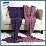 Cabritos que hacen punto el sofá de la manta del ganchillo de la manta de la cola de la sirena
