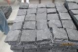 Spaccatura naturale della pietra per lastricati G654 del cubo poco costoso grigio del granito della Cina fiammeggiata