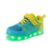 Les chaussures de Yezi DEL avec 7-Colors vendent les chaussures légères pour des gosses