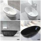 現代支えがなく白い無光沢の固体表面の浴槽