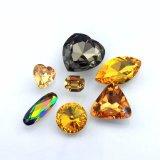Birnenförmiger fantastischer Kristallstein mit Metallgreifer für Kleidung-Dekoration