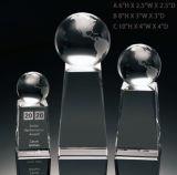 Crystal Globe sur Crystal Cube Award Trophées personnalisés pas chers