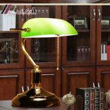Diseño moderno Golden banquero antigua Lámpara de mesa para dormitorios