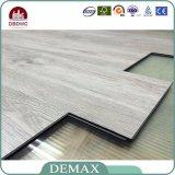Innenverbrauch-hölzerne Körner elastischer Unilin Klicken-Vinylbodenbelag
