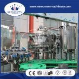 Máquina de rellenar de la cerveza para el casquillo de corona de la botella de cristal