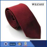 La última corbata del sólido de la manera
