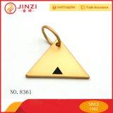 삼각형 모양 황금 사기질은 명찰 로고 꼬리표 승진 선물을 새긴다