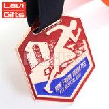 マラソンのフィニッシャーのためのデザインカスタムメダルを中国製放しなさい
