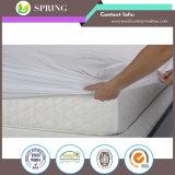 対XLのサイズのマットレスの保護装置の優れた防水低刺激性のマットレスのカバーの通気性の綿テリー
