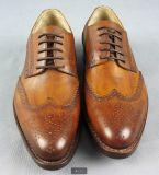 Zapatos de gama alta hechos a mano de cuero del banquete de boda