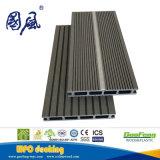El panel de suelo compuesto plástico de madera brillante ligero decorativo