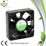 Вентиляторный двигатель DC высокого воздушного потока Xj5015 50mm электрический охлаждающий вентилятор 12 вольтов