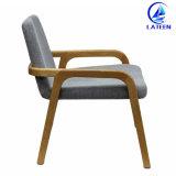 椅子(LT-W030)を食事する現代デザインファブリックあと振れ止めのArmrestの宴会