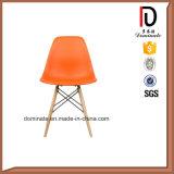 最もよい価格の木足の椅子のプラスチック多彩な食事の椅子のDsrの椅子