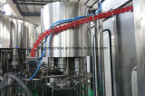 Conclusão automática da garrafa plástica de enchimento de água da linha de produção