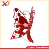 ホテルのレストラン木は椅子を食事する蝶宴会を模倣した