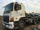 使用された6*4-LHD-Drive 30~40ton使用できるSeats/AC 2007年の日本Hino700のトレーラーのトラクターのトラック