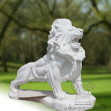 een marmeren Beeldhouwwerk van de Leeuw met een Plaat, Dierlijk Standbeeld