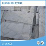 壁およびフロアーリングのためのBiancoカラーラの大理石のタイル