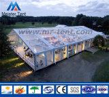 Im FreienHochzeitsfest-Zelt mit transparentem Dach