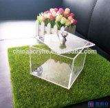 Boîte acrylique à sucrerie avec le diamant