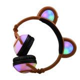 Cuffia stereo collegata pieghevole dell'orecchio del panda di colore LED