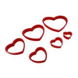 Les ensembles de 6 parties de l'outil de traitement au four de moulage de biscuit de forme de coeur pour tourner le moulage de gâteau de sucre