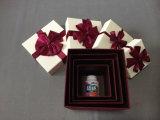 Boîte de papier de l'emballage de cadeaux de luxe avec ruban