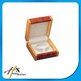 Dreieck-Inner-geformter kundenspezifischer hölzerner Schmucksache-Kasten mit Magneten