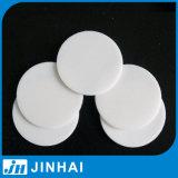 (d) Garniture scellée poly par éthylène des pièces de pompe de lotion