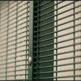 La polvere ha ricoperto 358 la barriera di sicurezza, anti rete fissa della prigione di ascensione
