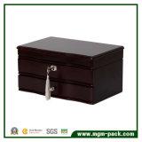 Коробка ювелирных изделий черноты просто конструкции деревянная с фиксировать