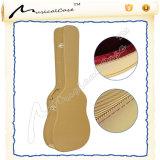 Деревянный сделанный классицистический случай басовой гитары