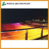 Centinaia di fontana di galleggiamento del lago alta dello spruzzo 170m music di lunghezza grande