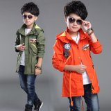良質の子供の衣服が付いている方法男の子のジャケット