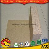 木製の穀物が付いている15mmマットの終わりによって薄板にされるChipboard