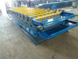 Roulis en acier galvanisé de toiture formant la machine avec le découpage hydraulique