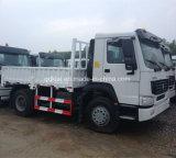 頑丈なSinotruk HOWO 4X2の貨物トラックの価格