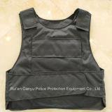 Черные полиции колют упорную тельняшку