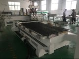 Drei Spindeln CNC-Holzbearbeitung-Stich und Ausschnitt-Maschinerie