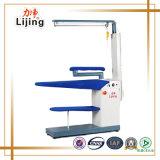 철 걸이 윤곽으로 다림질해 세탁물 기계 증기 압박