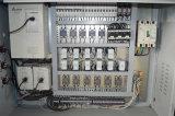 Automatischer Trinkhalm, der Maschine herstellt