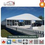 Pequena Tenda Dome com todos os acessórios para eventos ao ar livre